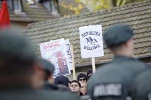 Protest gegen Rechts am 9. November 2013 in Duisburg © Roland Geisheimer/attenzione